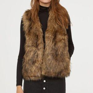 Women's Faux Fur Vest - 2